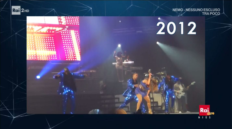 Jennifer Lopez schiena bloccata a causa di un casquet durante lo show!