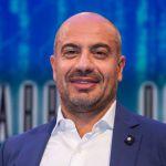La Gabbia, Gianluigi Paragone annuncia la chiusura in diretta: 'Ha vinto il #ciaone'