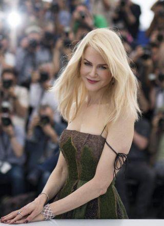 Nicole Kidman, la regina dei red carpet compie 50 anni: la sua carriera in foto