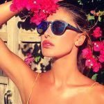 Belen Rodriguez attaccata per il selfie allo specchio da 'Cicciottella' ma è un equivoco