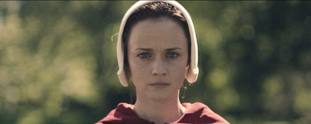 Emmy 2017, Alexis Bledel premiata per Il racconto dell'ancella
