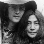 The Beatles: Yoko Ono blocca la vendita della bibita che fa il verso a John Lennon