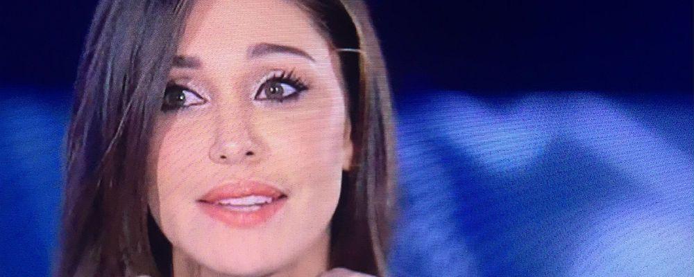 Grande Fratello Vip, puntata 5: Belen Rodriguez entra nella casa: il bacio con Ilary e le lacrime di Cecilia e Jeremias
