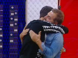 Grande Fratello Vip 2, Daniele Bossari torna in casa dopo il lutto