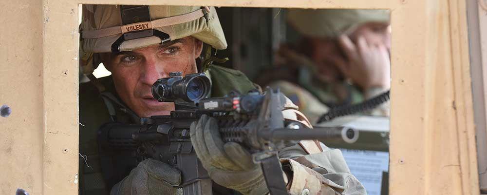 Long Road home, Michael Kelly protagonista della serie tv sulla guerra in Iraq