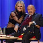 Maurizio Costanzo Show, tra gli ospiti Michelle Hunziker a disposizione per Sanremo