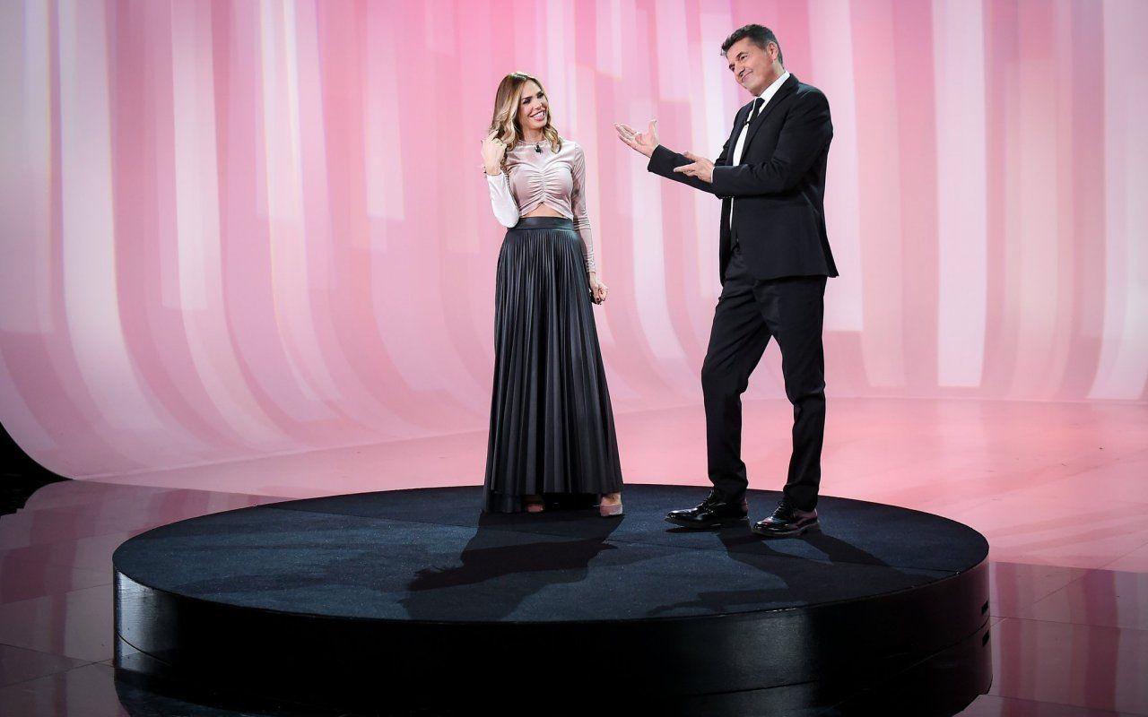 Le Iene Show, ultimo appuntamento per il 2017 martedì 19 dicembre