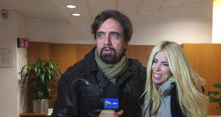 Striscia la notizia, tapiro d'oro per Loredana Lecciso e il tira e molla con Al Bano