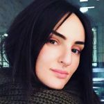 Arisa si fa la barba su Instagram