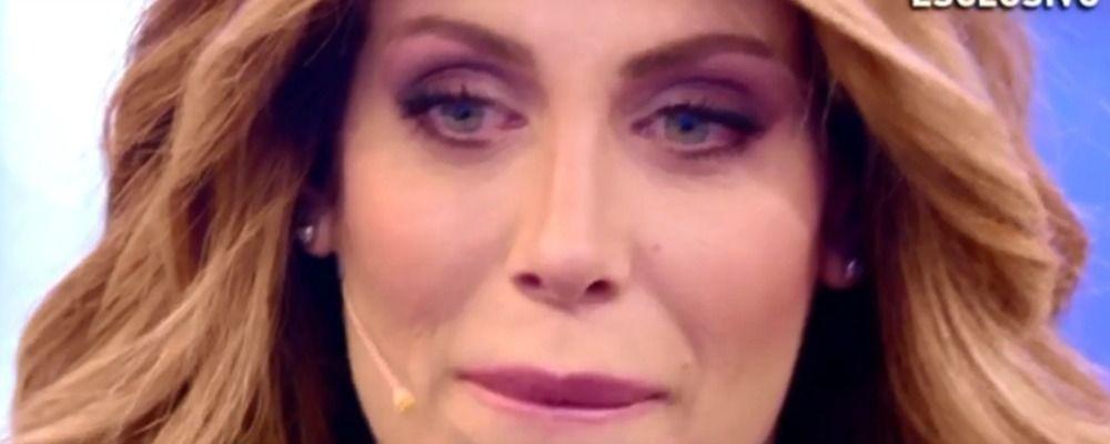 Domenica Live, Paola Caruso in lacrime racconta la verità sulla sua famiglia