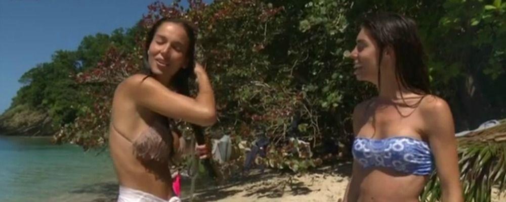 Isola dei famosi 2018, Paola Di Benedetto e Bianca Atzei infrangono il regolamento