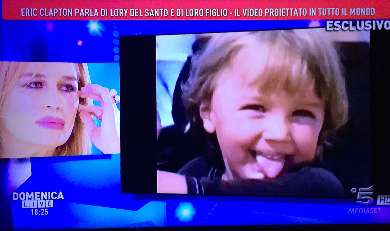 Lory Del Santo in lacrime: il ricordo del figlio Conor