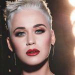 Katy Perry, incidente hot ad American Idol: l'abito è troppo stretto e il balletto fallisce