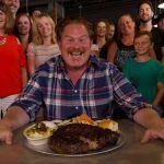 Arriva la quinta stagione di Man V Food con un nuovo conduttore e una sfida al pubblico