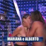 Grande Fratello 2018, arriva il bacio tra Alberto e Mariana