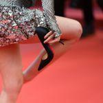 Kristen Stewart a piedi nudi sul red carpet di Cannes: via i tacchi scomodi
