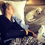 Kaley Cuoco operata alla spalla: niente luna di miele per la Penny di The Big Bang Theory