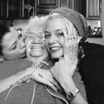Lutto per Le Donatella, morta la nonna di Silvia e Giulia Provvedi