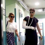 Niccolò Bettarini, dopo l'aggressione esce dall'ospedale con mamma Simona Ventura