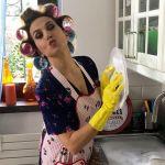 Barbara D'Urso 'casalinga disperata' su Instagram nel promo di Pomeriggio Cinque