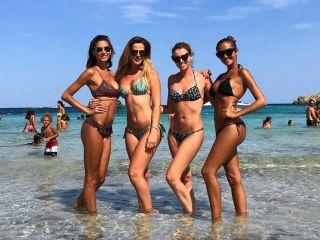 Reunion di veline: Giorgia Palmas, Elena Barolo, Thais Wiggers e Melissa Satta tutte insieme
