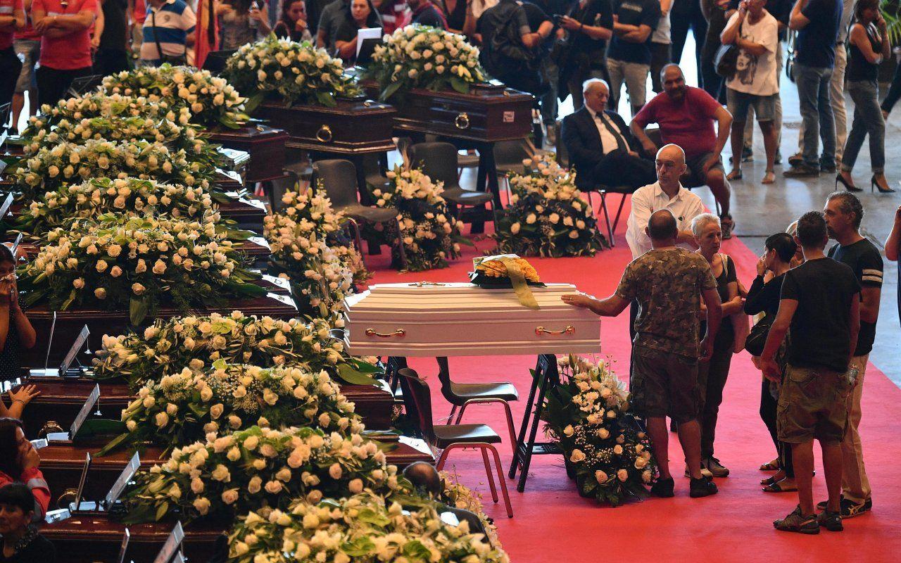 Lutto nazionale per Genova, funerali di Stato in diretta tv: sospesa la pubblicità