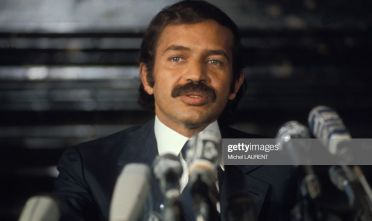 Portrait d'Abdelaziz Bouteflika lors d'une conférence de presse, circa 1970, à Paris, France. (Photo by Michel LAURENT/Gamma-Rapho via Getty Images)