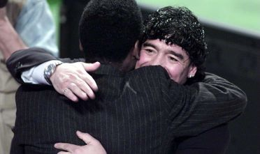 11 Dec 2000:  Diego Maradonna of Argentina tries to make up with Pele of Brazil afetr their recent disagreement at the FIFA World Player Gala at the Auditorium del Foro Italico in Rome, Italy. Mandatory Credit: Clive Mason/ALLSPORT