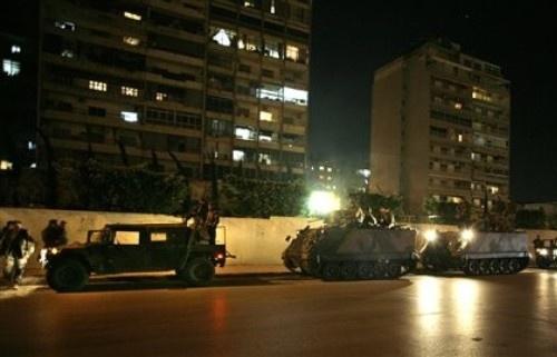 Si discute in Turchia, tornano i blindati a Beirut