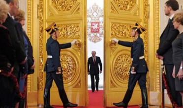 Da monarca a presidente: le sfide di Putin III
