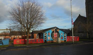 Dietro la fleg protest di Belfast, le divisioni dell'Irlanda del Nord