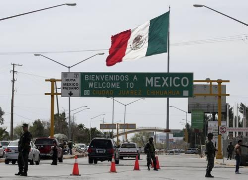 Obama visita il nuovo Messico di Peña Nieto