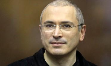 Putin il moralizzatore grazia Khodorkovskij (anche) per soldi