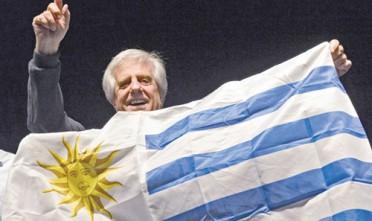 Il decennio guadagnato: Vázquez torna presidente dell'Uruguay