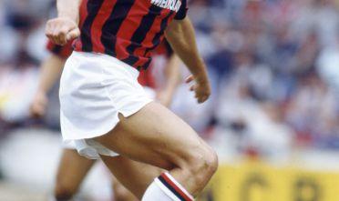 Sport, Football, pic:August 1988, Wembley International Tournament, Marco Van Basten, AC, Milan, Marco Van Basten won 58 international caps for Holland between 1983-1992  (Photo by Bob Thomas/Getty Images)