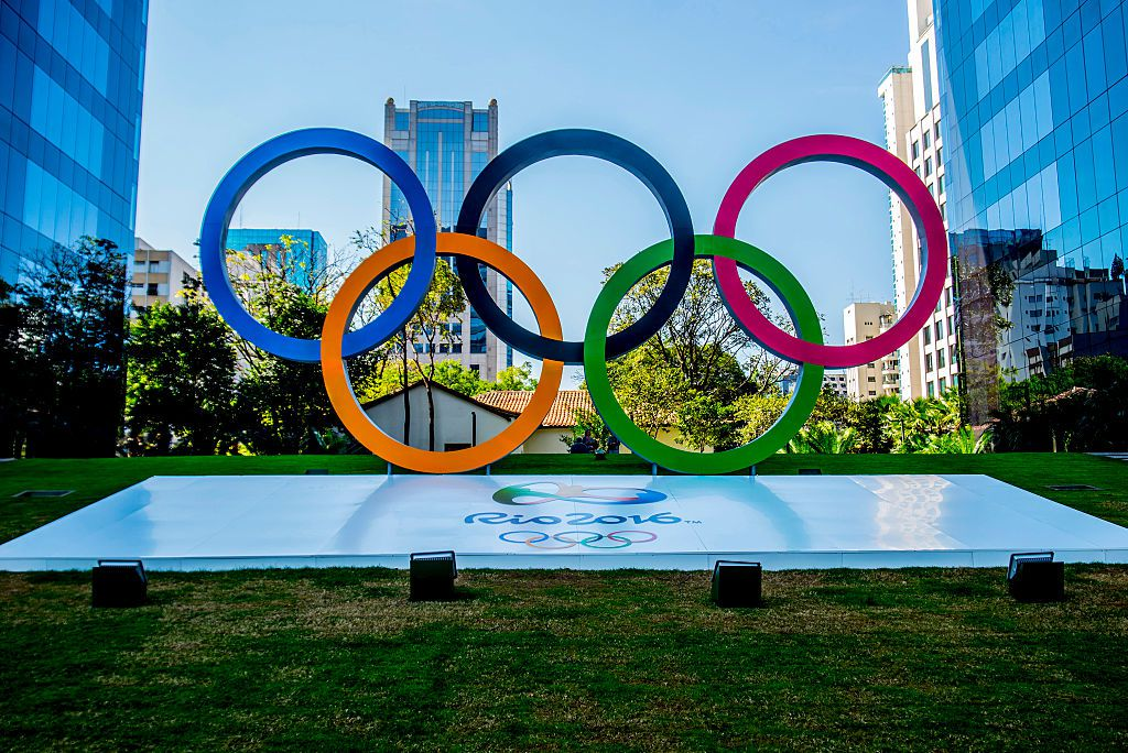 SAO PAULO, BRAZIL - JULY 25:  The Olympic rings are seen at Avenida Faria Lima on July 25, 2016 in Sao Paulo, Brazil (Photo by Cris Faga/LatinContent/Getty Images)