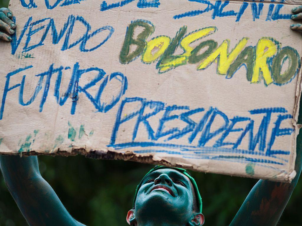 Un sostenitore di Jair Bolsonaro, foto di RAPHAEL ALVES/AFP/Getty Images.