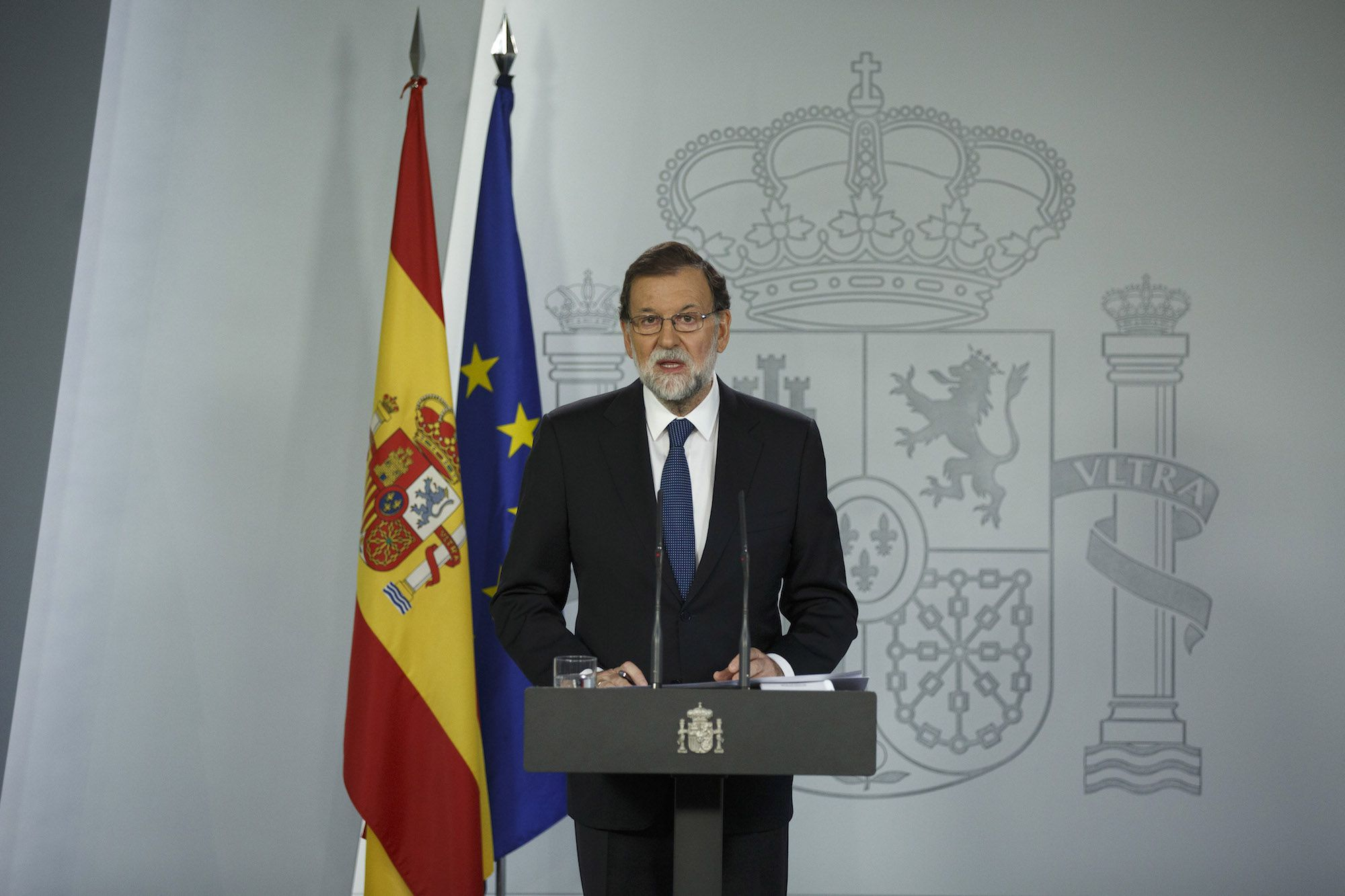 MADRID, SPAIN - OCTOBER 01:  Spanish Prime Minister Mariano Rajoy speaks during a press statement about the Catalonian referendum on October 1, 2017 in Madrid, Spain. More than five million elegible Catalan voters are estimated to visit 2,315 polling stations today for the Catalonia's referendum on independence from Spain. The Spanish government in Madrid has declared the vote illegal and undemocratic.  (Photo by Pablo Blazquez Dominguez/Getty Images)