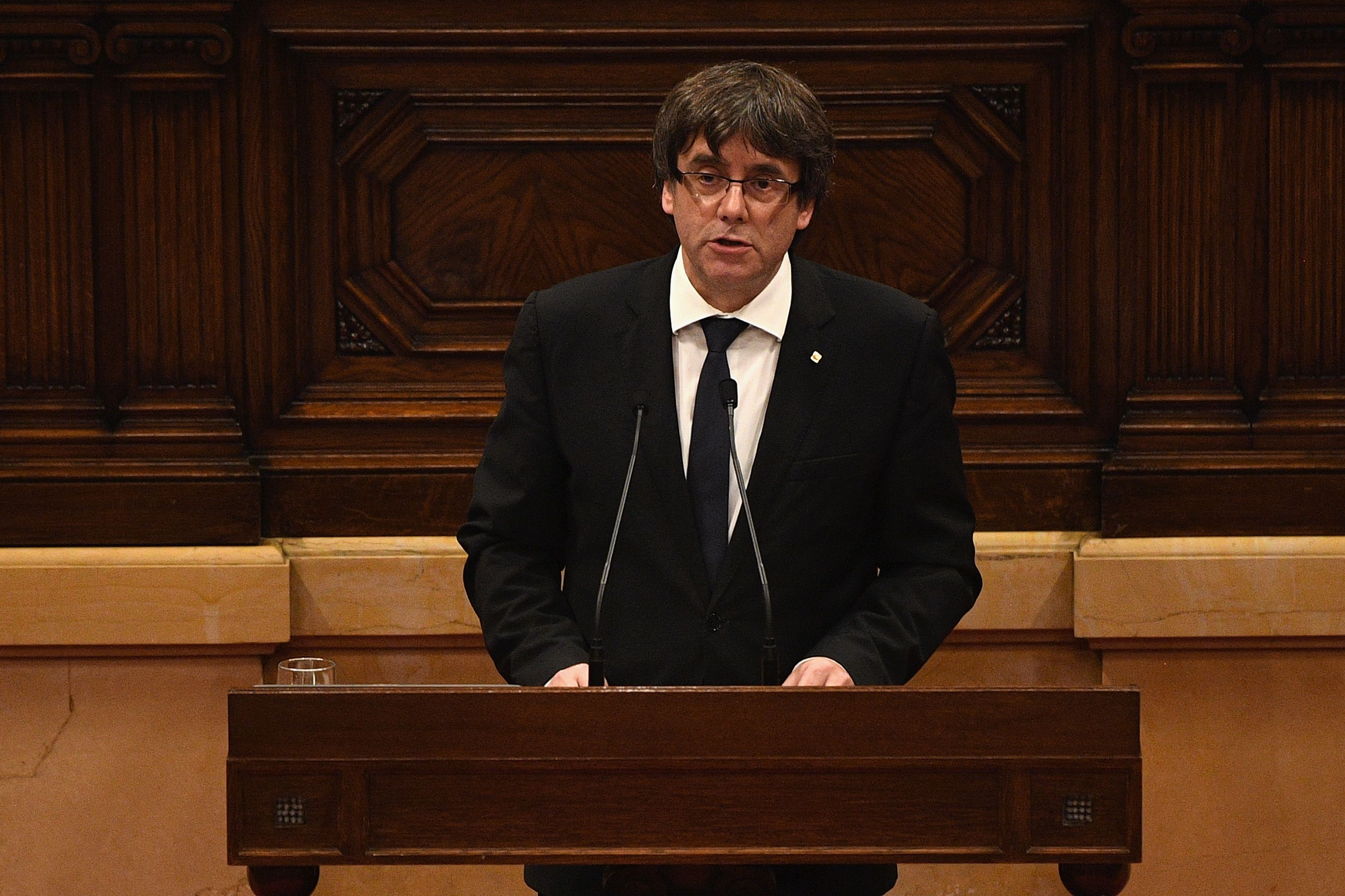 BARCELONA, SPAIN - OCTOBER 10:  President of Catalonia, Carles Puigdemont, speaks in his address to the Catalan Parliament at the Palau del Parlament de Catalunya on October 10, 2017 in Barcelona, Spain. After the October 1 referendum, and weeks of build-up, Catalonia's president is to address the Catalan Parliament in which a declaration of independence is expected to be made.  (Photo by David Ramos/Getty Images)