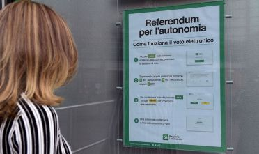 Photo credit should read MIGUEL MEDINA/AFP/Getty Images A referendum will be held on October 22, 2017 in the Italian regions of Lombardy and Veneto, both ruled by rightwing party Northern League, to ask for more fiscal autonomy and more powers to decide how to allocate financial resources. / AFP PHOTO / MIGUEL MEDINA        (Photo credit should read MIGUEL MEDINA/AFP/Getty Images)