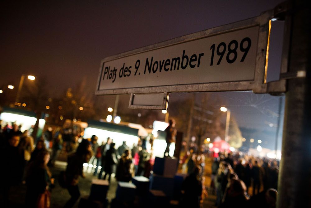 Platz der 9 november 1989 nel quartiere di Plenzlauer Berg a Berlino Foto: Carsten Koall/Getty Images).