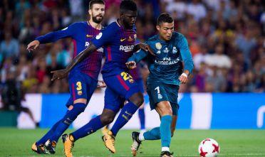 Samuel Umtiti, Cristiano Ronaldo e Gerard Pique durante la Supercopa de España 2017 vinta dal Real Madrid, agosto 2017 (Foto: Alex Caparros/Getty Images).