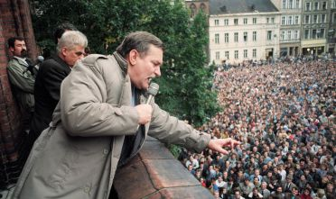 Lech Walesa durante un discorso di campagna elettorale, 1990.  (Foto: WOJTEK DRUSZCZ/AFP/Getty Images).