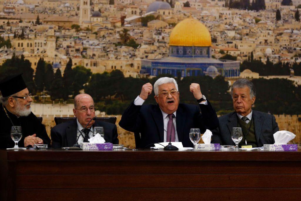 Il presidente palestinese Mahmud Abbas durante un incontro a Ramallah il 14 gennaio 2018. (Foto di: ABBAS MOMANI/AFP/Getty Images)