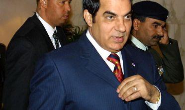 L'ex presidente tunisino Ben Ali in una foto del 2001 (Foto: RABIH MOGHRABI/AFP/Getty Images).