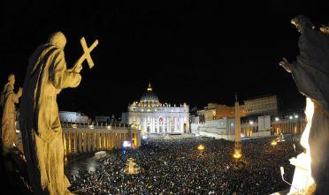 Piazza San Pietro la sera del 13 marzo 2013. (Foto: TIZIANA FABI,TIZIANA FABI/AFP/Getty Images).