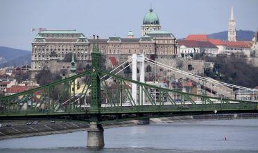 Vista di Budapest dal Danubio, via Getty Images.