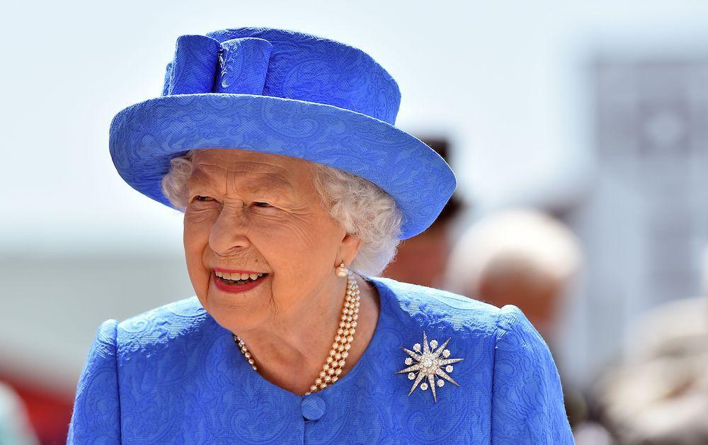 La regina del Regno Unito Elisabetta II (Photo credit should read GLYN KIRK/AFP/Getty Images).