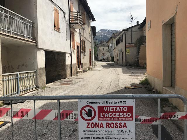 """Terremoto: Ussita, un paese """"che non c'è più"""""""