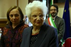 La senatrice a vita Liliana Segre alla premiazione in prefettura delle medaglie d'oro ai deportati in Germania destinati al lavoro coatto